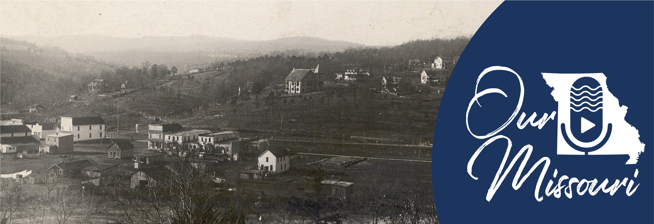 View of town looking east, Hollister, 1916. [Missouri Postcard Collection, P0032-004065-1]