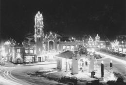 Country Club Plaza with holiday lights
